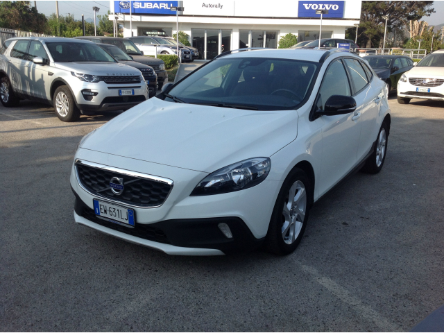 Foto Volvo V40 Cross Country D2 1.6 Momentum
