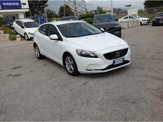 Foto Volvo V40 D2 1.6 Business
