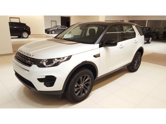 Foto Land Rover Discovery Sport 2.0 TD4 150 CV Graphite Edition