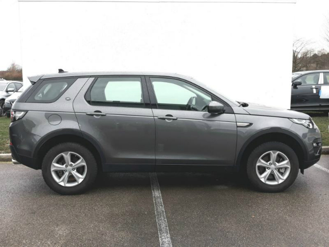 Foto Land Rover Discovery Sport 2.0 TD4 150 CV Pure Automatica