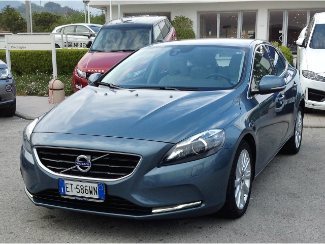 Foto Volvo V40 D3 Geartronic Summum