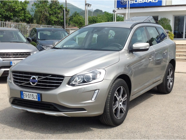 Volvo XC 60 D4 AWD Geartronic Momentum