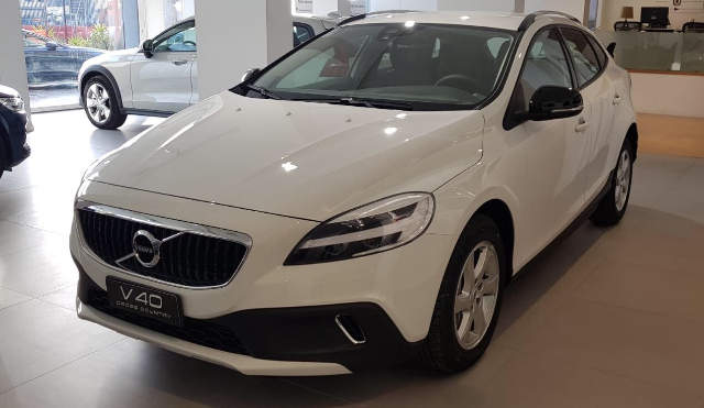 Foto Volvo V40 Cross Country D2 Business Plus