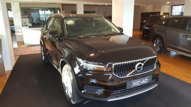 Foto Volvo XC40 D3 GEARTRONIC MOMENTUM PRO