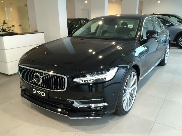 Foto Volvo S90 D3 Geartronic Business Plus