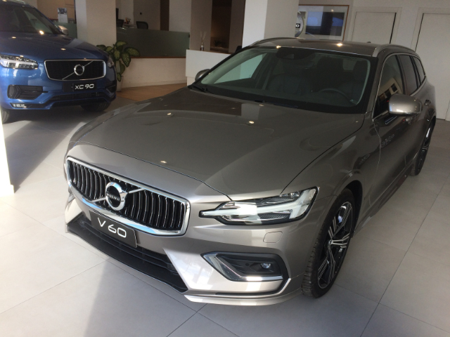 Foto Volvo V60 D3 Geartronic Inscription