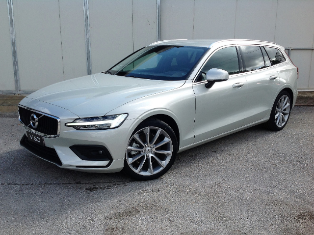Foto Volvo V60 D4 Geartronic Business Plus