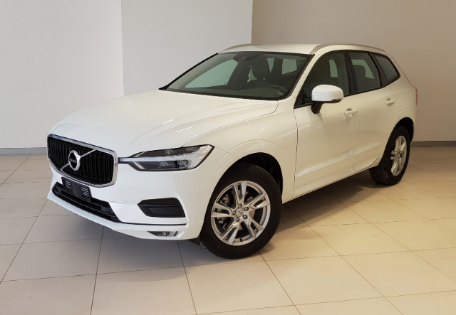 Foto Volvo XC 60  D4 AWD GEARTRONIC MOMENTUM