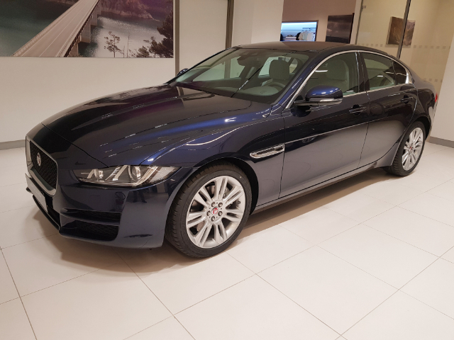 Jaguar XE 2.0D 180 CV AWD aut Prestige *New Model Year 2019*