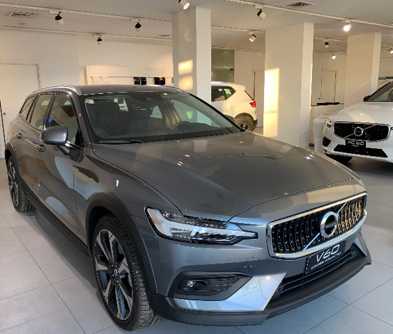 Foto Volvo V60 CROSS COUNTRY D4 AWD GEARTRONIC PRO