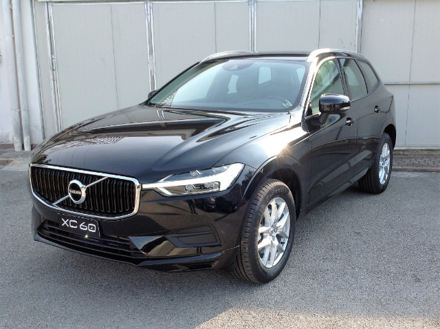 Foto Volvo XC 60  D4 MOMENTUM GEARTRONIC