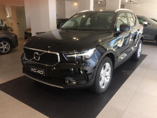Foto Volvo XC40 T3 GEARTRONIC