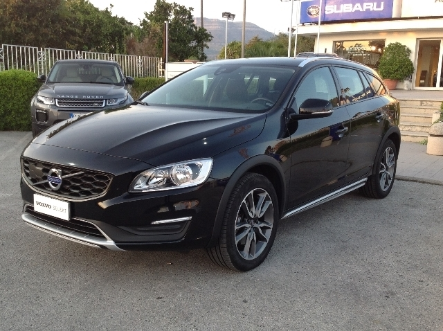 Volvo V60 Cross Country D3 Geartronic Momentum 150cv