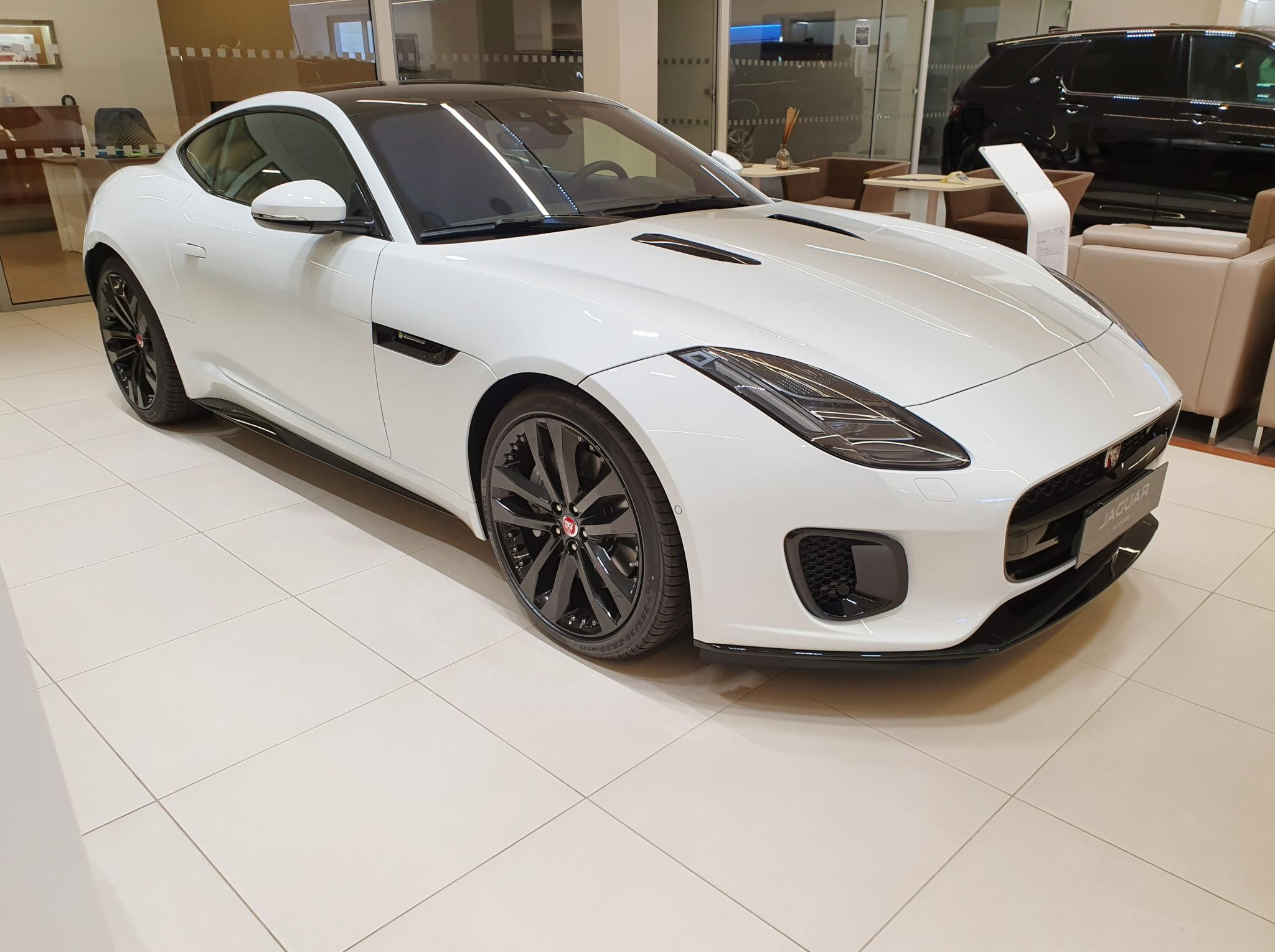 Foto Jaguar F-Type 2.0 aut. Coupé R-Dynamic