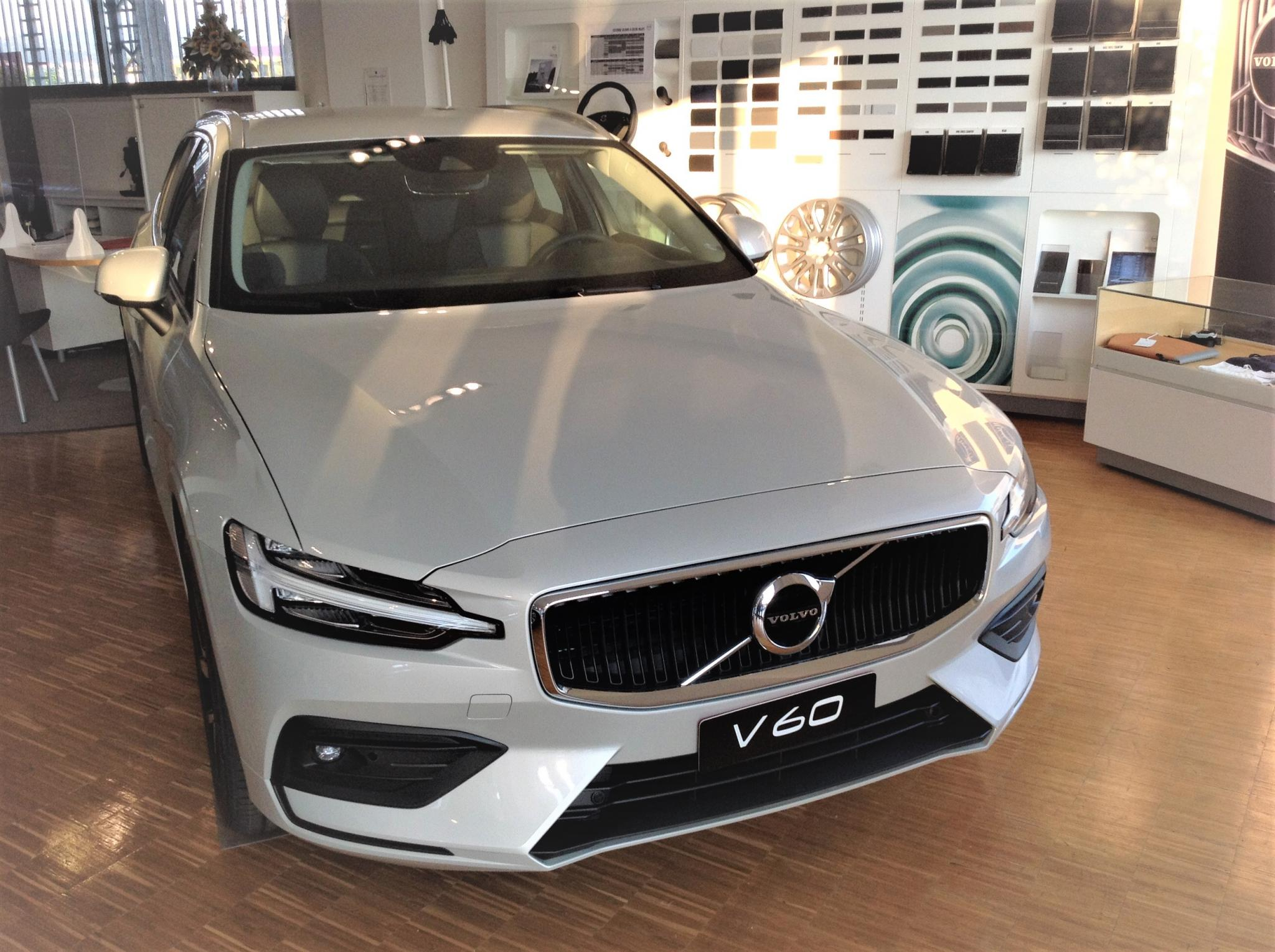 Foto Volvo V60 D3 Geartronic Business Plus *anche N1- A 267,41€ AL MESE*